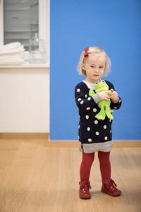 Kinderarztpraxis Schumanngasse blaue Wand
